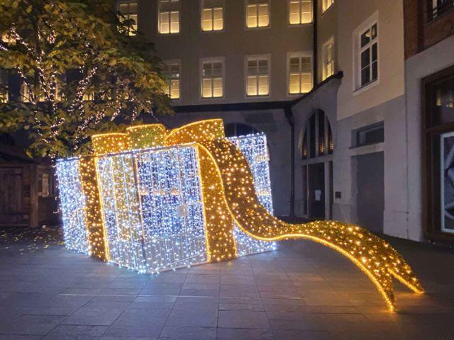 Hofstatt mit weihnachtlicher Beleuchtung, Foto: Hofstatt