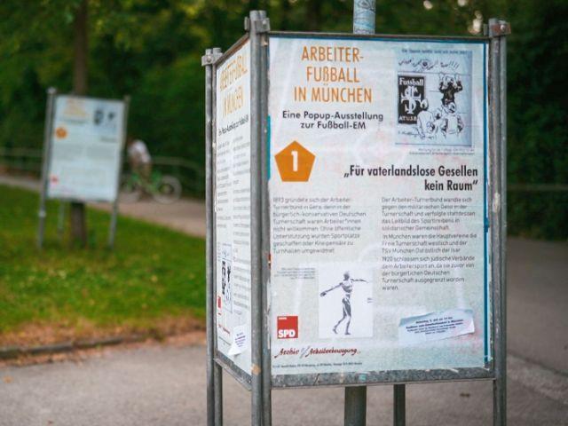 Pop-up-Ausstellung zum Arbeiterfußball, Foto: Ole Zimmer