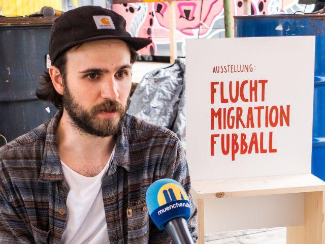 Torben Faubel, Organisator der Wanderausstellung, Foto: Anette Göttlicher