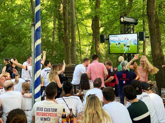 Public Viewing bei der UEFA EURO 2020, Foto: Anette Göttlicher