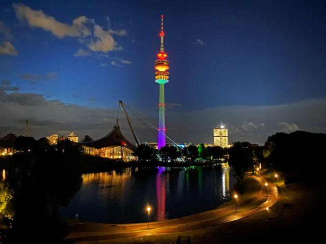 Olympiapark mit Olympiaturm, Foto: Philipp Hartmann