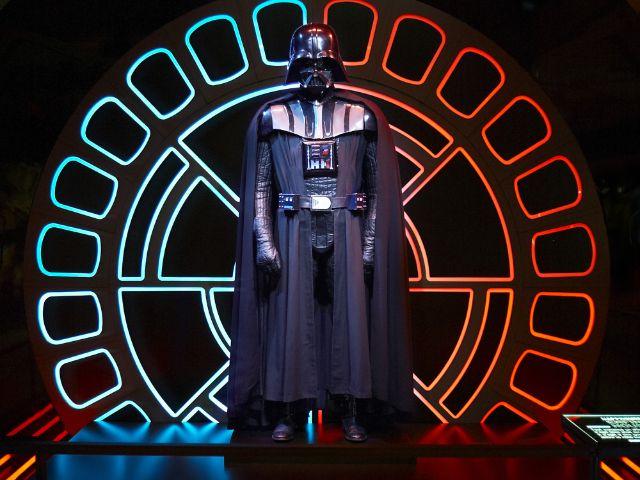 """Impressionen zur Ausstellung """"Star Wars Identities""""., Foto: 2015 Lucasfilm Ltd."""