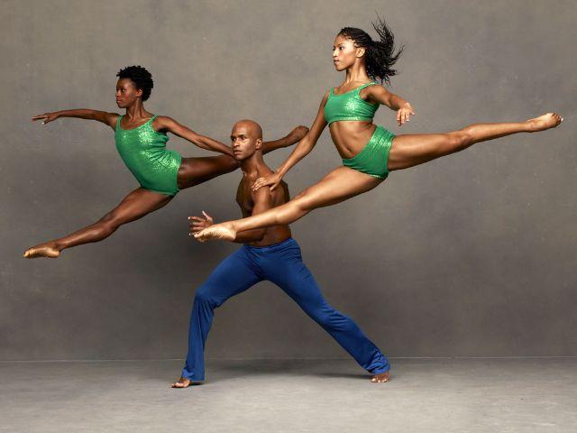 Alvin Ailey American Dance Theater, Foto: Andrew Eccles