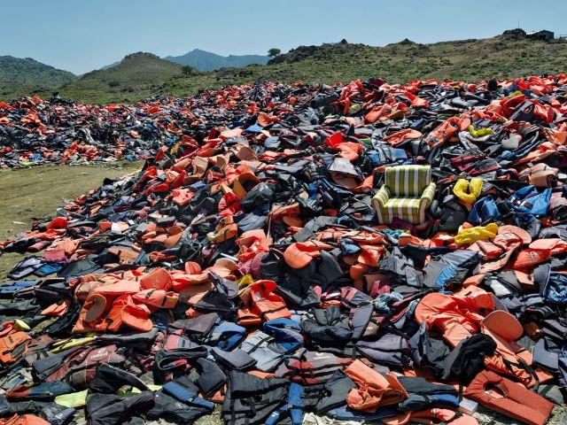 """Fotografie von Herlinde Koelbl aus der Ausstellung """"Flüchtlinge - eine Herausforderung für Europa""""(Teil der Veranstaltungsreihe """"Drinnen oder Draußen""""), Foto: Herlinde Koelbl"""