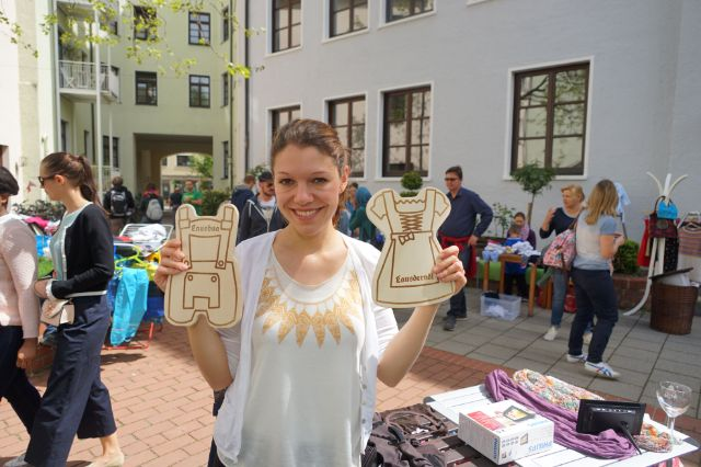 Sarah bei Flohmarkt, Foto: muenchen.de/ Vauelle