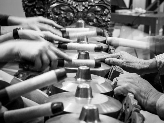 Unterricht am Reyong-Gongspiel , Foto: Fotini Potamia