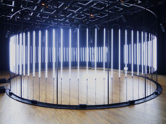 Lichtinstallation raster-noton, Foto: Béla Bender