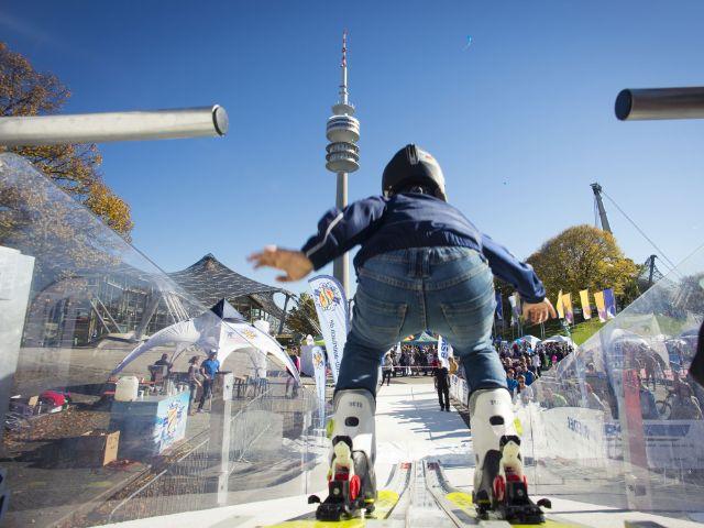 Skispringen beim Outdoorsportfestival , Foto: Martin Hangen