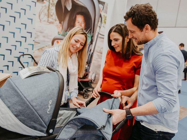 Kinderwagen shoppen auf der Babywelt, Foto: Fleet Events