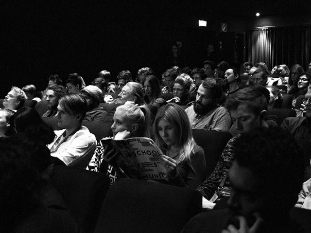 Das Publikum schaut den Filmen beim Filmschoolfest zu., Foto: FILMSCHOOLFEST MUNICH