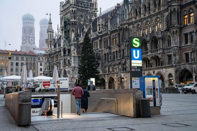 Steht bis 11. Januar 2021 auf dem Marienplatz: Der Christbaum 2020, Foto: Rico Güttich