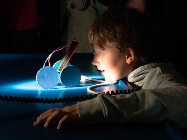 Licht an, Licht aus im Kindermuseum, Foto: Kindermuseum München
