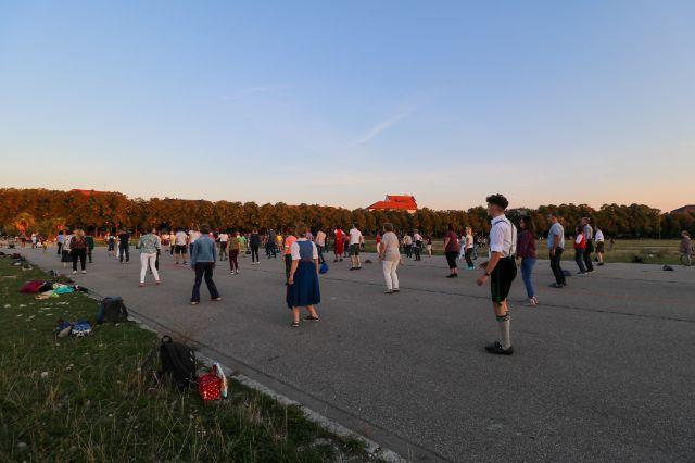 Bavarian Line Dance beim Bayerische Freitag auf der Theresienwiese, Foto: Marie-Lyce Plaschka