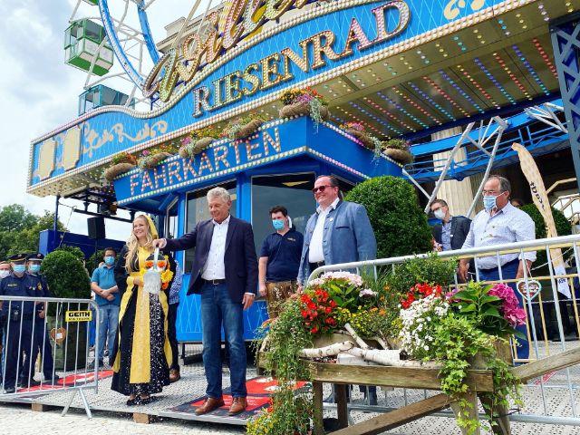 Taufe des Riesenrads am Königsplatz, Foto: muenchen.de/Anette Göttlicher