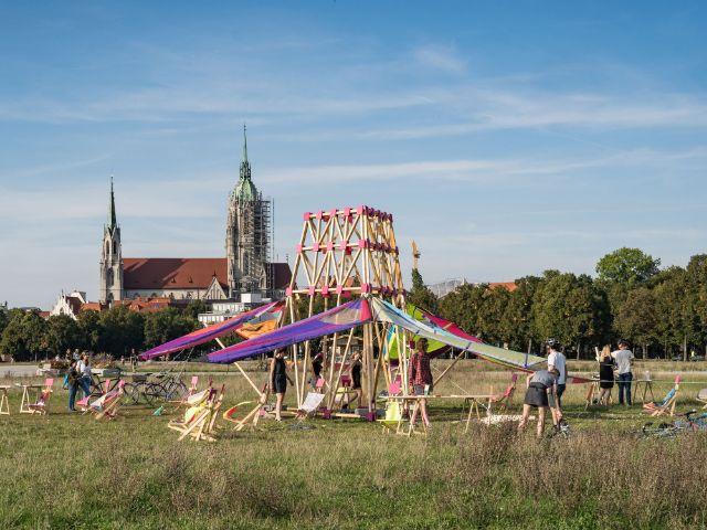 Urban Chair Machine auf der Theresienwiese, Foto: muenchen.de/Ole Zimmer