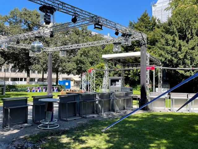 Aufbau der Open-Air-Party am Maximilianplatz, Foto: Veranstalter