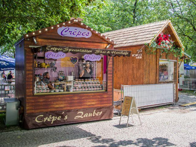 Crepes-Stand am Orleansplatz beim Sommer in der Stadt, Foto: Melvin Núñez