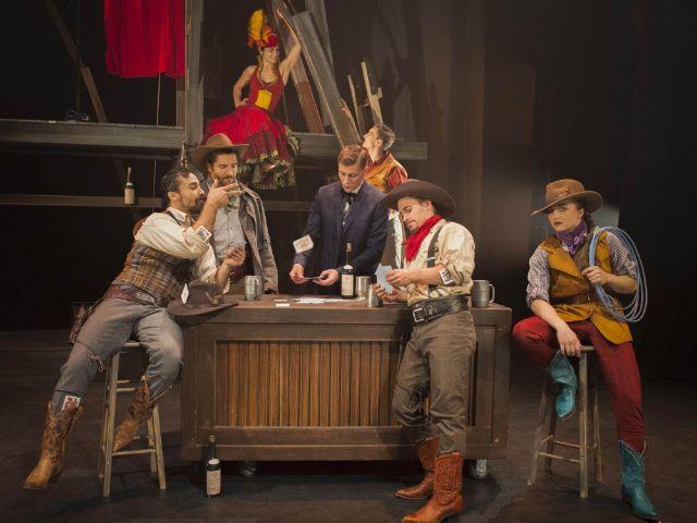 Die Show Hotel des Cirque Éloize, Foto: Deutsches Theater