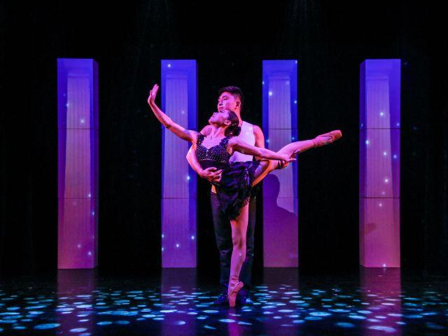 """Ballet on Shoulder aus der Show """"Humorzone"""" im GOP Varieté München, Foto: GOP Varieté"""