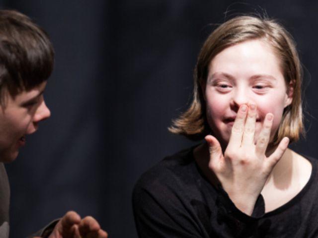 Luisa Wöllisch beim Freien Theater, Foto: Heiner Welchert