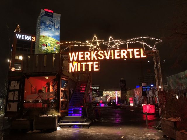 Eingang zum Weihnachtsmarkt im Werksviertel Mitte, Foto: Werksviertel Mitte