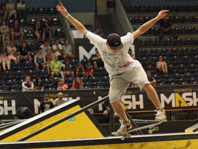 Skateboarder zeigt einen Trick, Foto: Immanuel Rahman