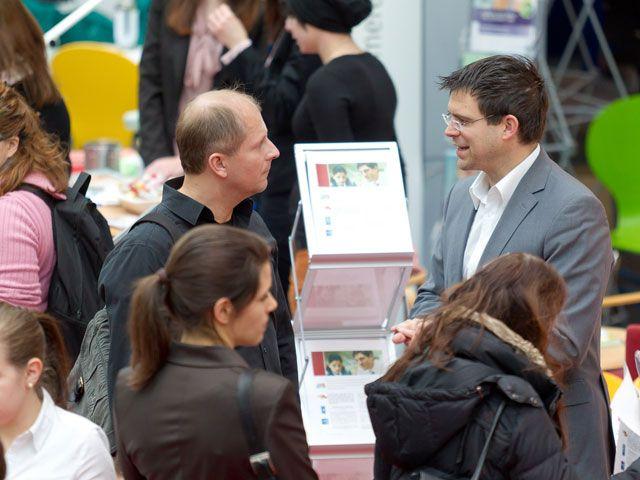 Die Jobmesse in München bietet jedes Jahr einen Austausch zwischen Arbeitnehmern und Unternehmen., Foto: Jobmesse München