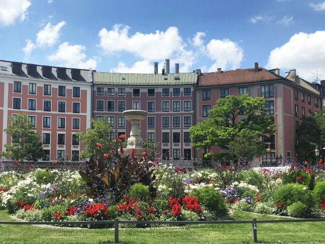 Der Gärtnerplatz im Sommer bei bewölktem Himmel, Foto: muenchen.de