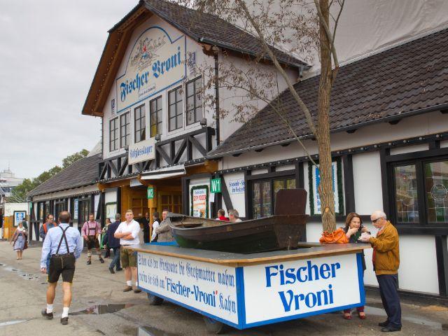 Die Fischer-Vroni auf der Wiesn, Foto: Katy Spichal