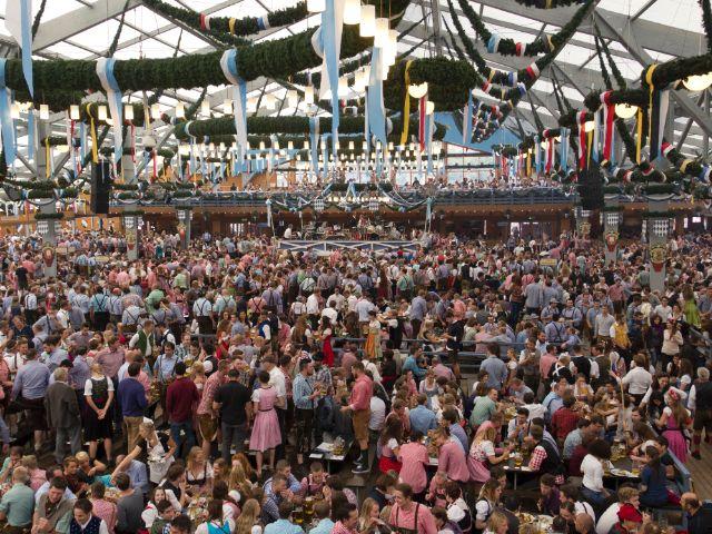 Schottenhamel Festzelt auf der Wiesn, Foto: Katy Spichal