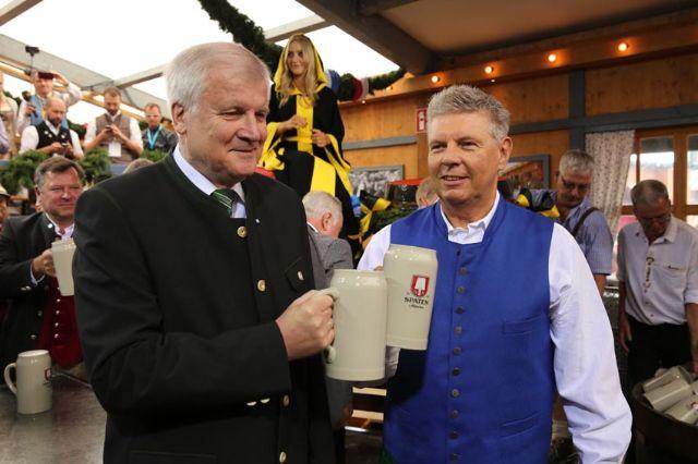 OB Dieter Reiter mit Ministerpräsident Horst Seehofer, Foto: Nagy / Presseamt München