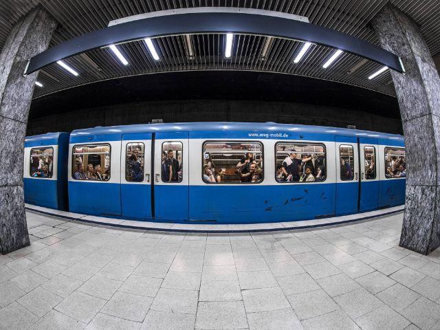 Anreise mit der U-Bahn, Foto: Exithamster
