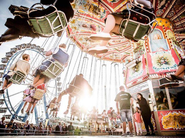 Kettenkarussell auf dem Oktoberfest, Foto: Exithamster
