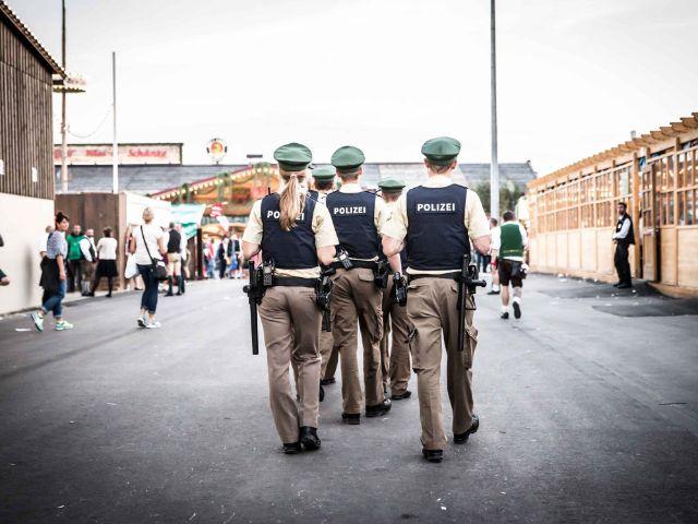 Polizei auf der Wiesn., Foto: Exithamster