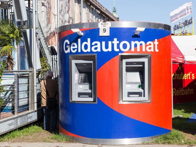 Geldautomat, Foto: muenchen.de/Katy Spichal 2018