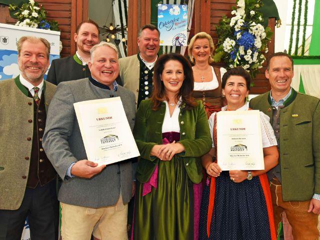 """Verleihung """"Ausgezeichnets Bayerisches Festzelt"""" auf dem Oktoberfest, Foto: Baumgart/StMELF"""