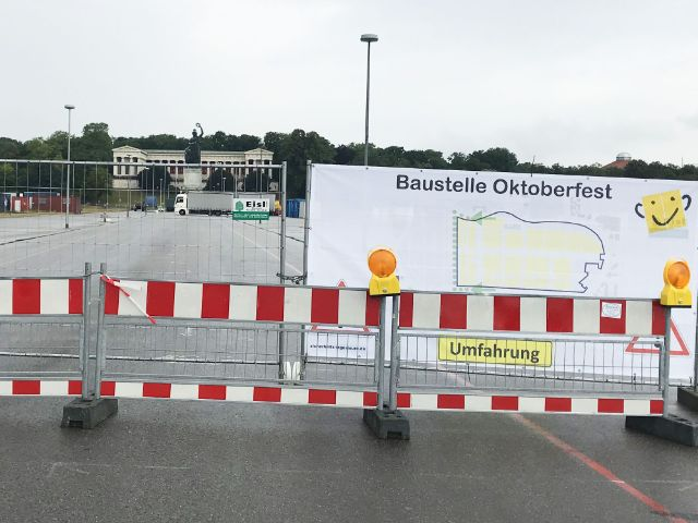 Baustellen-Schild für den Wiesn-Aufbau 2019, Foto: muenchen.de