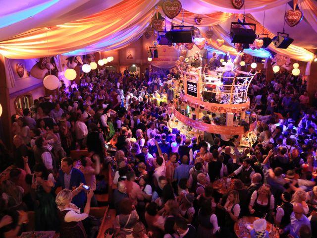 Partystimmung im Café Kaiserschmarrn, Foto: Café Kaiserschmarrn