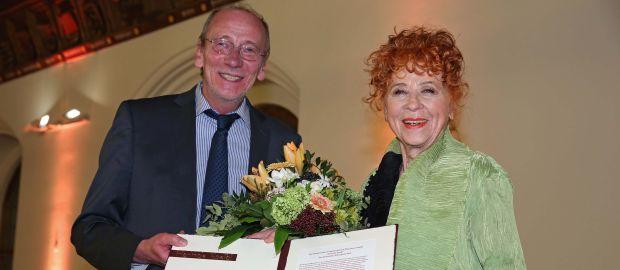 Kulturreferent Dr. Hans-Georg Küppers mit Herlinde Koelbl, Foto: Michael Nagy / Presseamt München