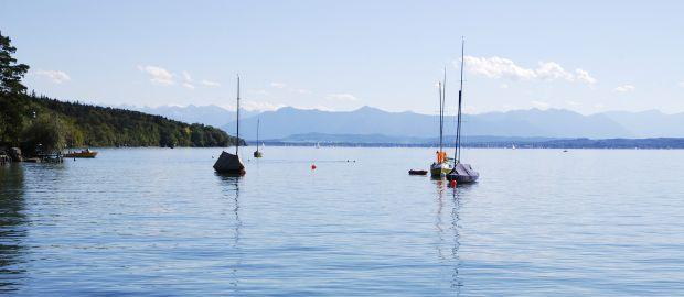 Segelboote auf dem Starnberger See, Foto: manfredxy / Shutterstock.com
