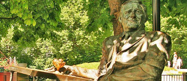 Statue Monaco Franze an der Münchner Freiheit, Foto: Stefan Strasser