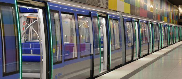 U-Bahn-Geschwindigkeit von 2015 Dateinasia asia Liebe Datierung