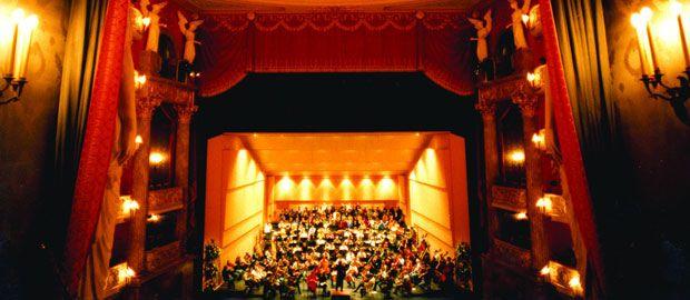 Das Orchester spielt im Nationaltheater in München., Foto: Wilfried Hösl