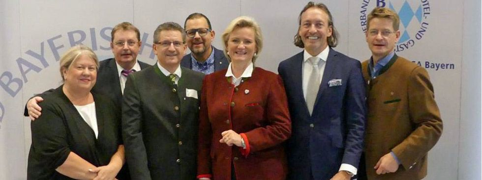 Das neue Präsidium des Dehoga mit Präsidentin Angela Inselkammer (m.), Foto: Dehoga Bayern e.V.