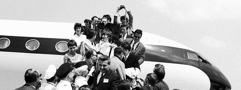 Die Beatles landen am 23.6.1966 auf dem Flughafen Riem, Foto: Rainer Schwanke / Archiv Herbert Hauke