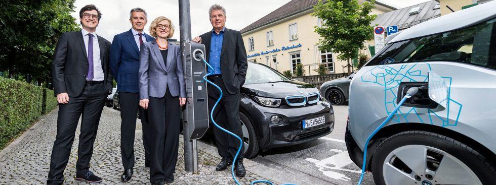 Einweihung der Light and Charge-Station an der Königinstraße, Foto: BMW