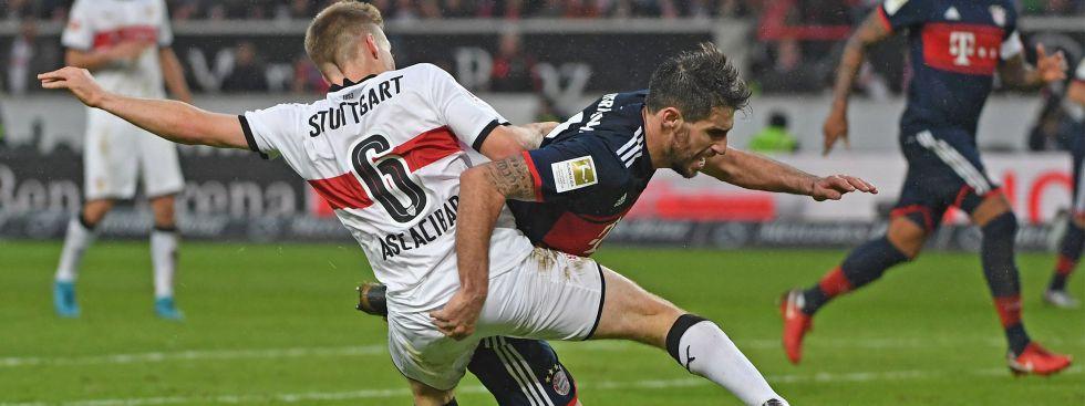 Santiago Ascacibar und Bayerns Javi Martinez im Zweikampf., Foto: picture alliance/Pressefoto Rudel