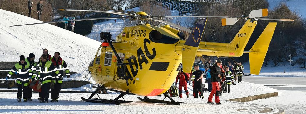 Einsatz am Olympiasee: Familie bricht in Eis ein, Foto: Feuerwehr München