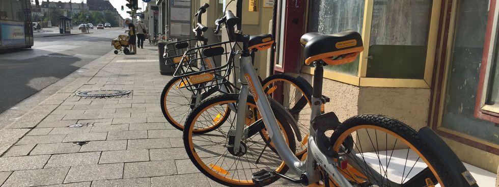 Gelbe Fahrräder von oBike in der Fraunhoferstraße, Foto: muenchen.de/Mark Read