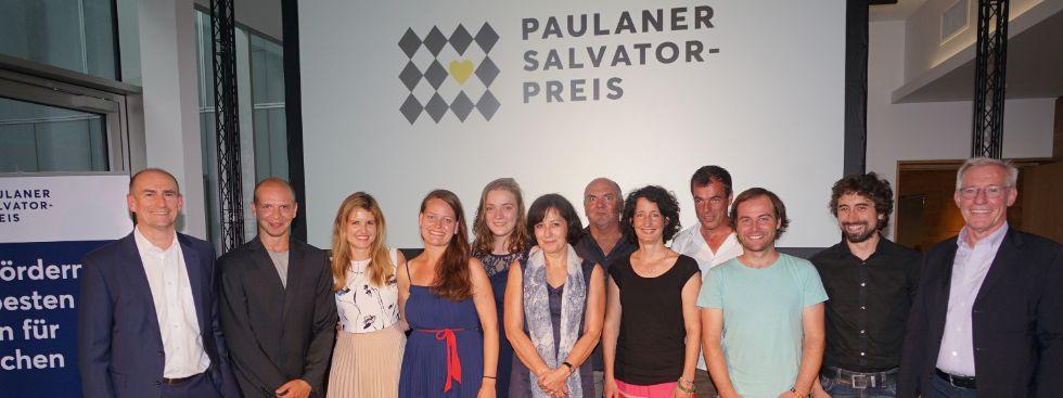 Gruppenbild mit Jury-Mitgliedern und Preisträgern, Foto: muenchen.de/ Dan Vauelle